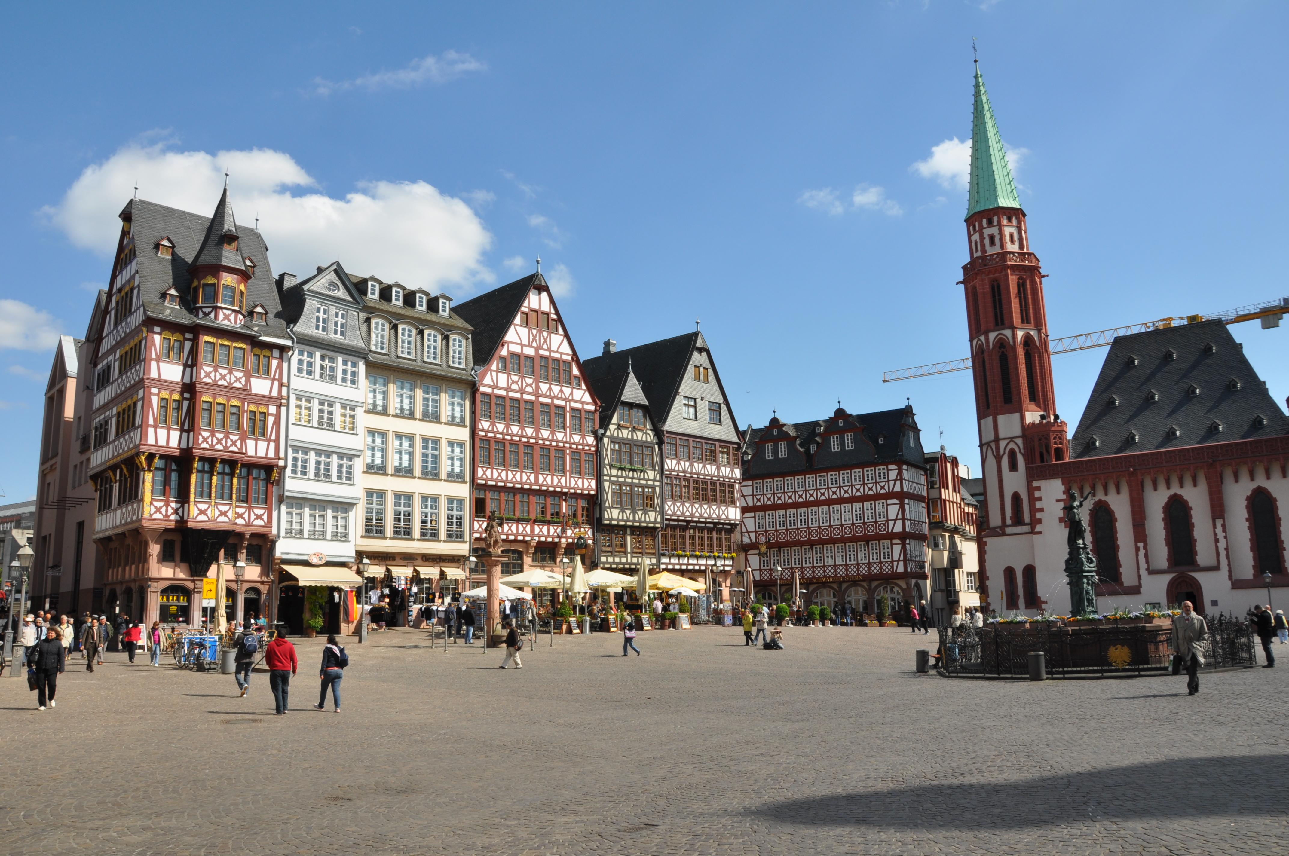 R 246 Merplatz Frankfurt Main Tourists About Frankfurt Main